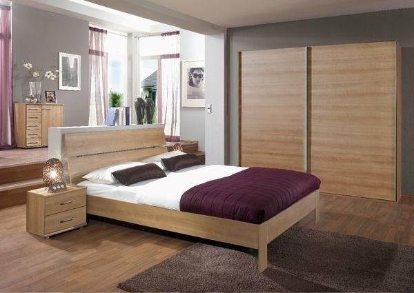 Chambre ŕ Coucher Simple Et Moderne