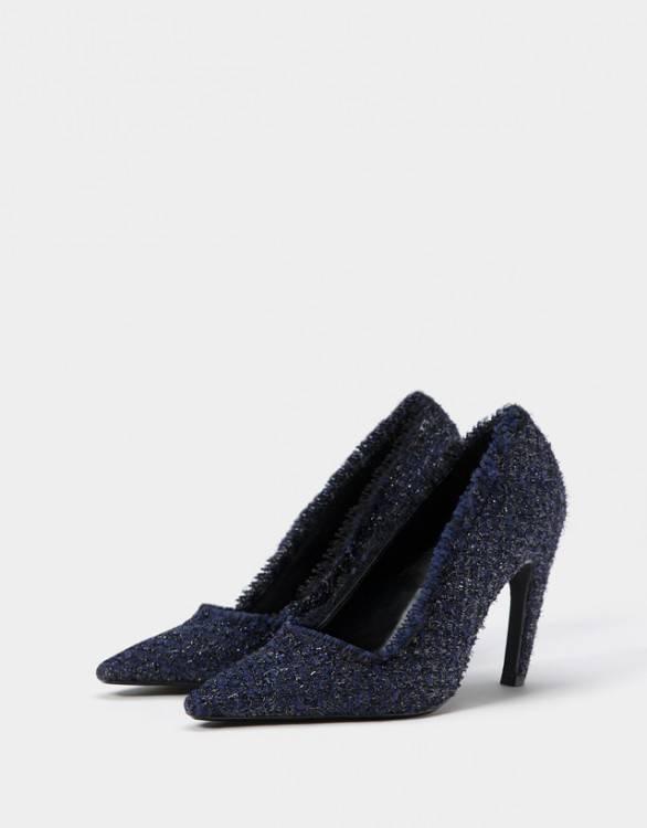 Chaussure féminine à talon haut