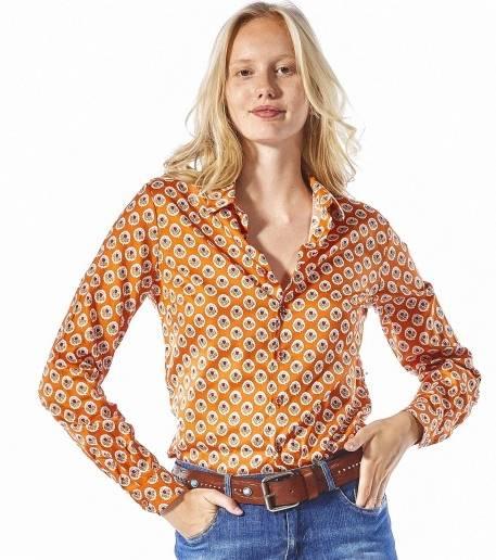 printemps 2018, collection Milly, robe longue plissée, top aux bretelles  fines,sandales noirs lacets fins, robe orange plissée et asymétrique, robe  femme