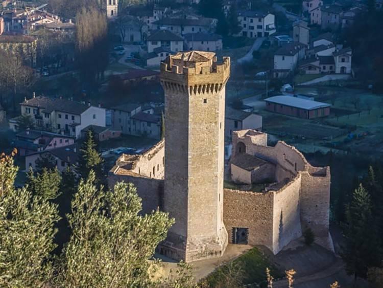 C'est là que la princesse Bona Borromeo Arese, tante de Beatrice Borromeo, épouse de Pierre Casiraghi, a créé le