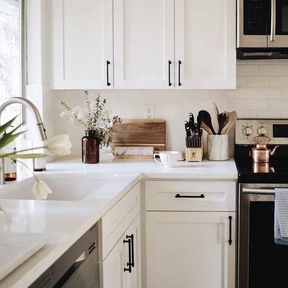 Lorsque vient le temps de rénover une cuisine, de nombreux propriétaires choisissent de se concentrer uniquement sur les grandes choses
