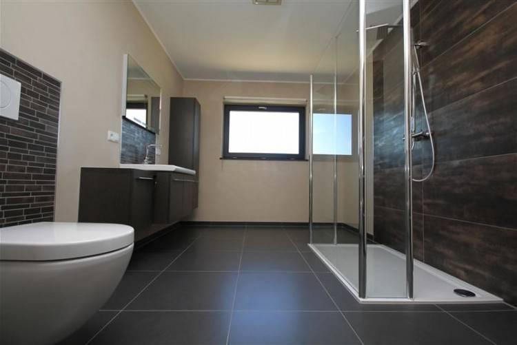 Aménagement salle de bain avec douche italienne au Luxembourg