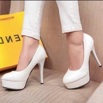 Chaussures à talons blanches, pour mariée/ soirée