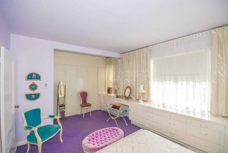 L'appartement est un appartement de vacances National Trust qui a été rénové afin de refléter les années 1950
