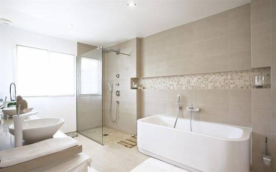 Meuble salle de bains bois gris double vasque Lambesc Bac à douche avec  bonde en caniveau carrelée Saint Cannat Douche italienne