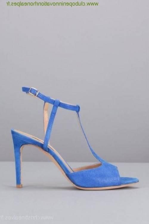 Modèle : escarpin plateau bleu roi nubuck