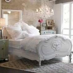 Chambre à coucher ancienne à donner 27134118