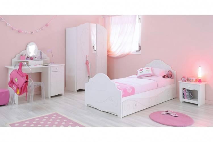 Chambre A Coucher Blanche Et Mauve Waaqeffannaa Org Design D Avec Avec Chambre A Coucher Blanc