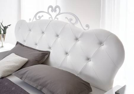 Chambre à coucher blanc laqué moderne QUEEN ! Pièces italiennes exceptionnelles ! Basculez dans un univers chic avec cette tête de lit capitonnée,
