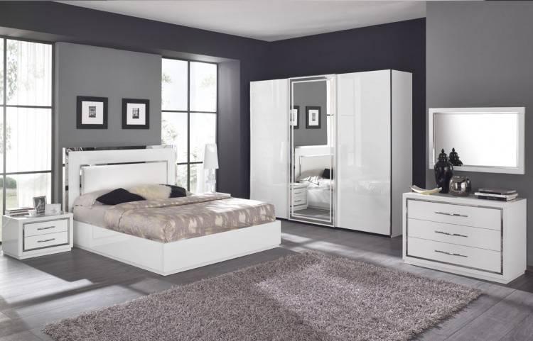 Papiers peints Conception intérieure moderne de chambre à coucher blanche