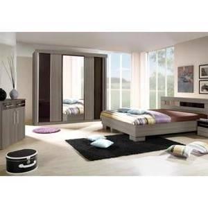 Chambre à coucher adulte Agrandir