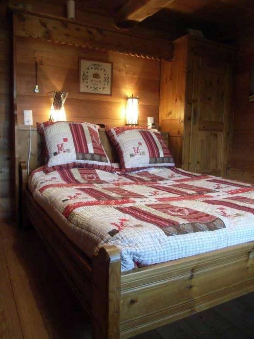 chambre a coucher avec pont de lit chambre a coucher avec pont de lit voir  en