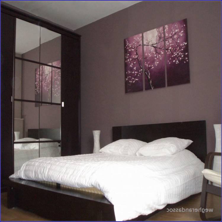 Influence zen & déco chambre en tout simplicité où le bois massif est omniprésent