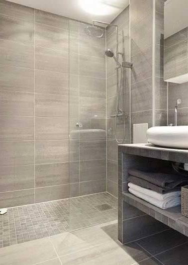 Meubles blanc et bois et salle de bain béton ciré penthouse de luxe de salle de bain moderne design , la source d'image: pinterest