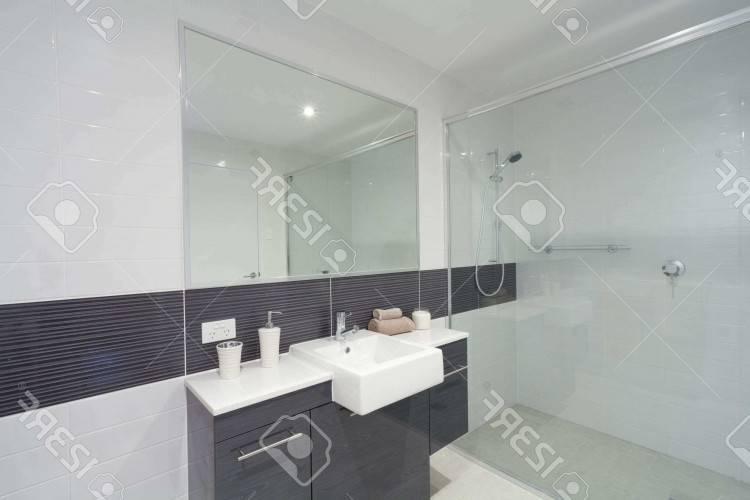 Salle De Bain Blanche: Glamour salle de bain blanche ou salle de bain faience grise