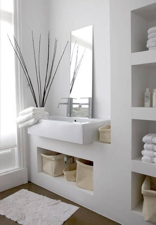Découvrez différentes solutions alternatives pour une salle de bain sans  carrelage