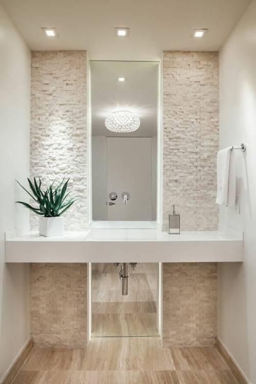 Toilettes & douche hygiénique installée juste à côté