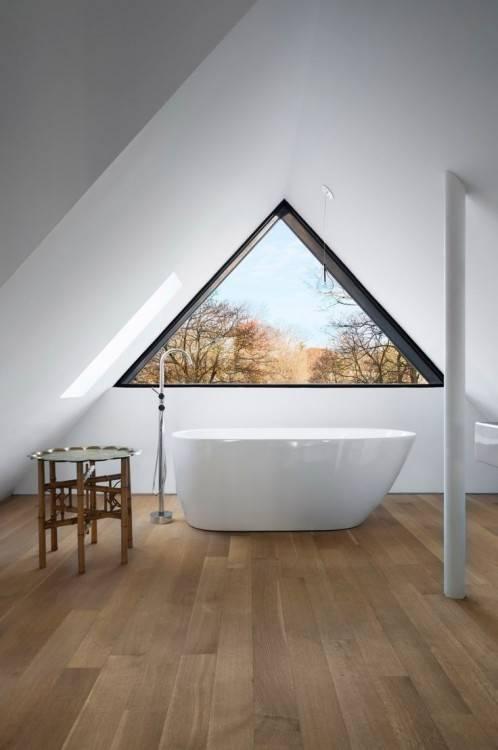Salle D Bain Moderne Salle De Bain Grise Avec Un Meuble Suspendu Avec Shower Doors Bath Room Et Salle De Bain Avec Fenetre Dans La Douche 2 736x1109px Salle