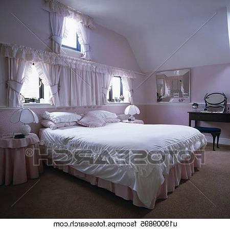 Coucher Blanche Et Mauve Inspirations Chambre Mauve Et Rose Idees De Decoration Interieure Chambre Avec Chambre Noir Blanc Mauve Design De