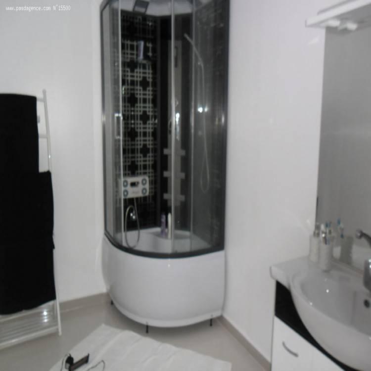amazing carrelage salle de bain moderne idees photos et idaces modele avec  baignoire bains deco maison