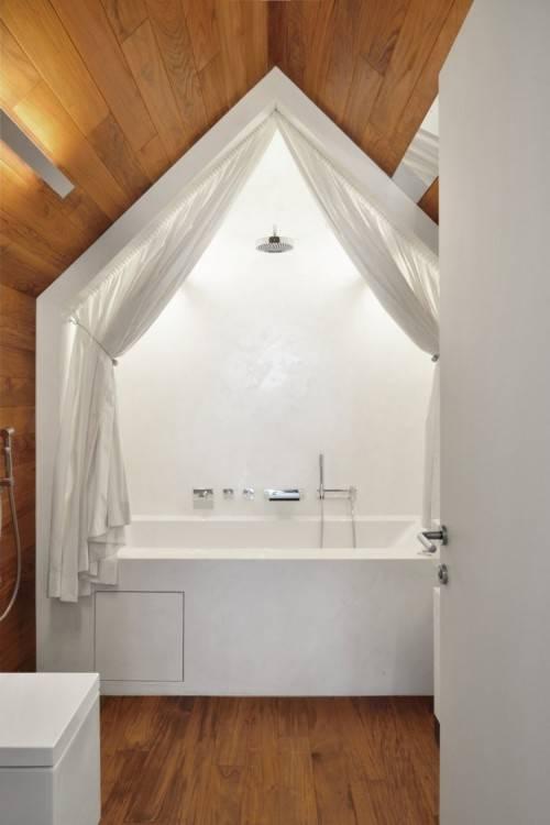 de bain moderne / salle de bain noire et blanche / salle de bai petite et fonctionnelle salle de bain noire et blanche / salle de bain moderne salle de