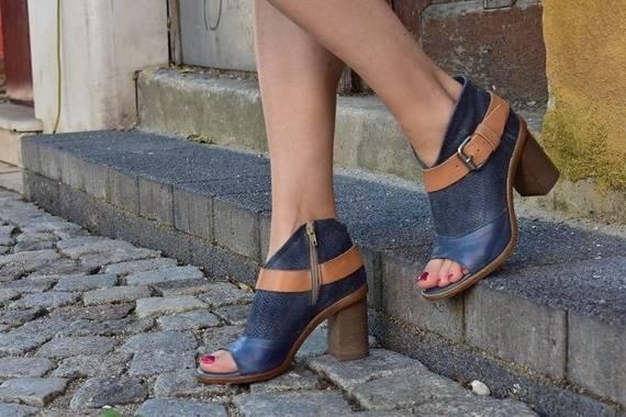 Chaussures femme noires à talons bloc de 4 cm confortables