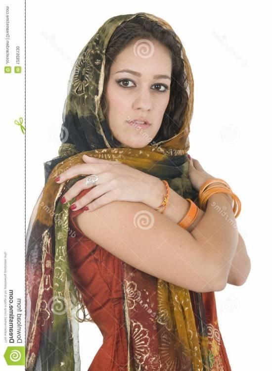 Dans les autres régions de l'Inde la lengha se porte seulement dans les  grandes occasions (pouvant être portée par des femmes indhues, muslims,