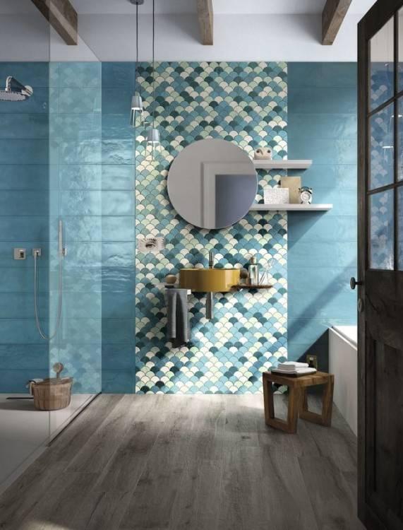 Salle de bains moderne avec un intérieur panneau de mosaïque
