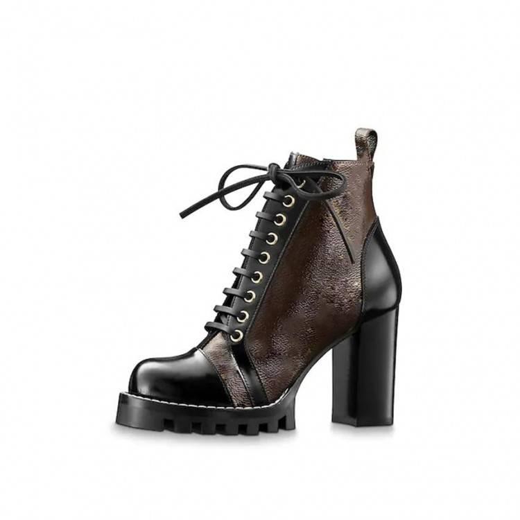Alegory est une jeune marque parisienne qui bouscule les codes de la chaussure classique en proposant une chaussure à talon amovible