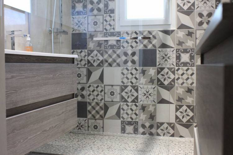 Salle De Bain Moderne Grise: Remarquable salle de bain moderne grise à  couleur mur salle