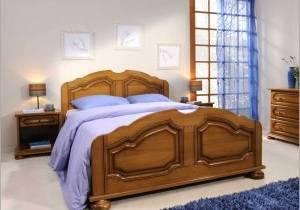Chambre à coucher ambiance nature, plancher de bois franc et décoration rustique
