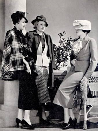 Comme les femmes ont augmenté dans le spectre de puissance, ayant gagné le  droit de vote en 1920 et le marché du travail en nombres indescriptibles,  la mode