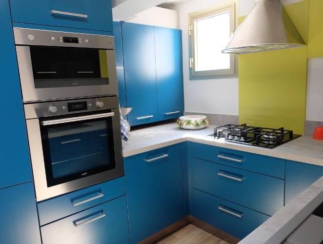 modèles de cuisine moderne pour petit espace