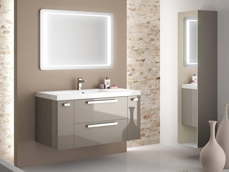 La salle de bain avec