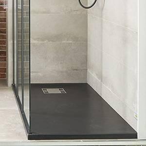 Le receveur de douche, avec son aspect propre, poli ajoutera une touche  moderne à votre salle de bain