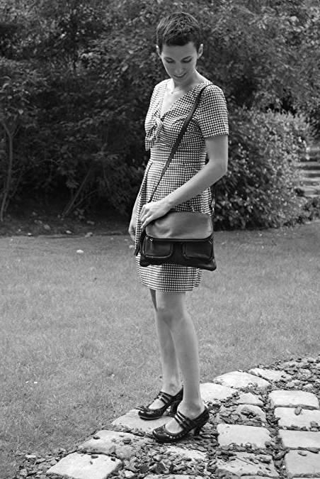 Abordable Adulte Guess Sac À Épaules Femme Cognac / Vente Guess Sac À Épaules Femme Black Friday