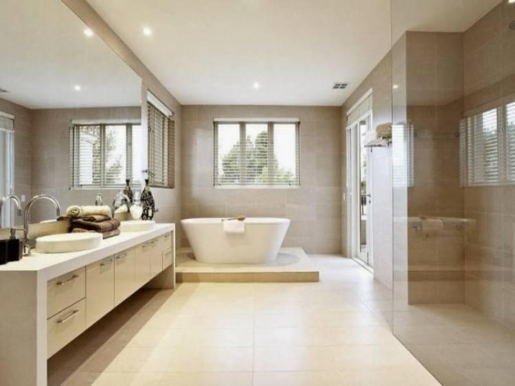 Salle de bains modernes avec des Fenêtres Pliantes en utilisant verre sans cadre