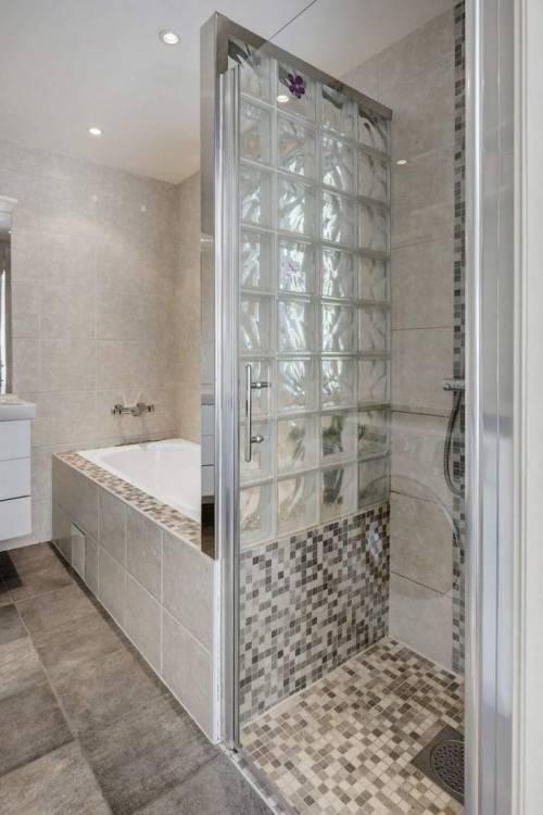 Intemporelle et moderne à la fois, la douche à l'italienne fait des merveilles dans nos salles de bains depuis des lustres