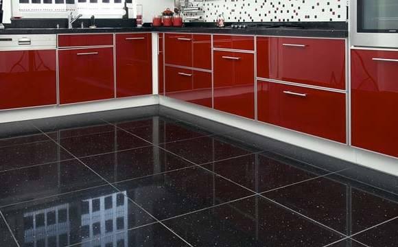 cuisine aménagee moderne facade meubles coloris ivoire credence en  carrelage inox hotte aspirante en inox Pour