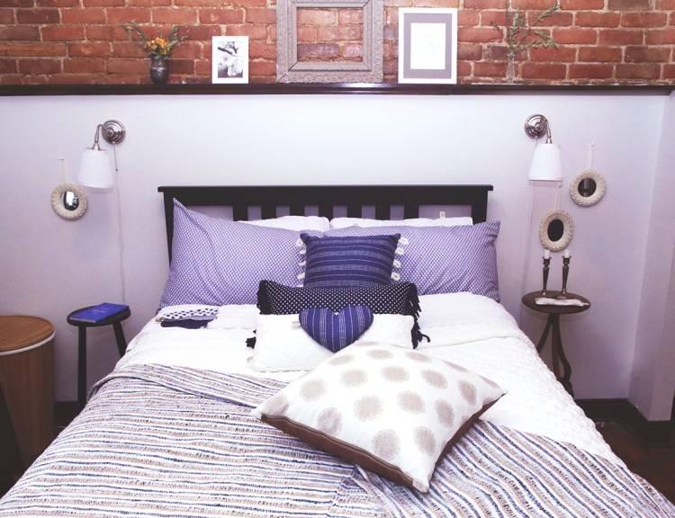 La chambre à coucher décorées pour Noël