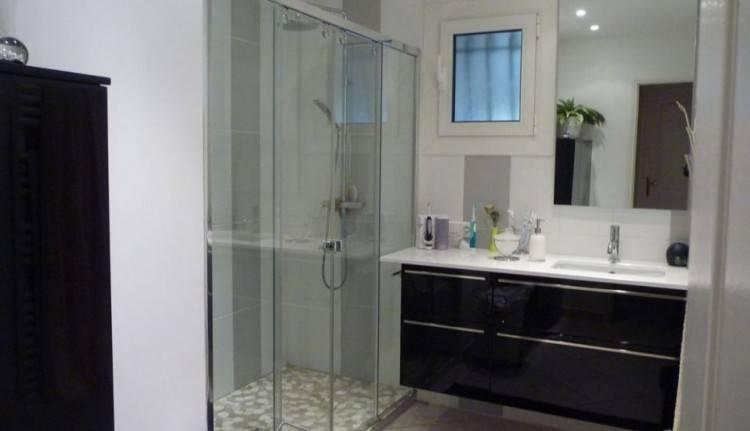 salle de bain simple et moderne habitsofhappinessco la salle de bain moderne 12 idees simple et