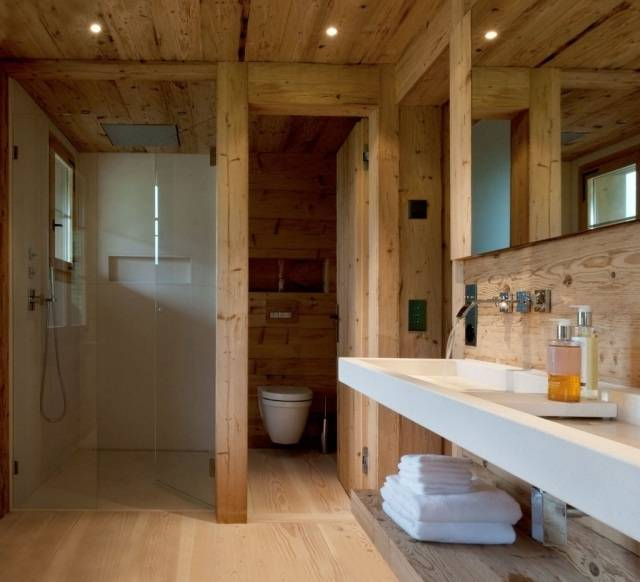 petite salle de bain moderne bois