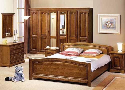 Chambre à coucher contemporaine avec baldaquin double