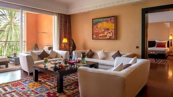 Décor de chambre à coucher à l'Hôtel Royal Lotus en Baie d'Ha Long,  Vietnam, Asie