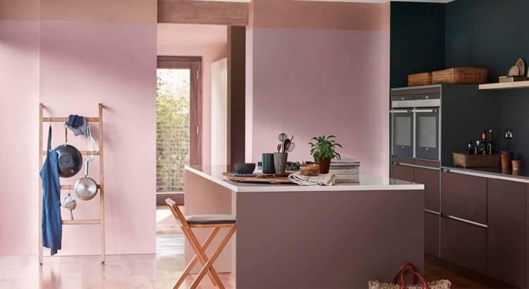 Meuble de cuisine couleur taupe pour des façades en mélaminé